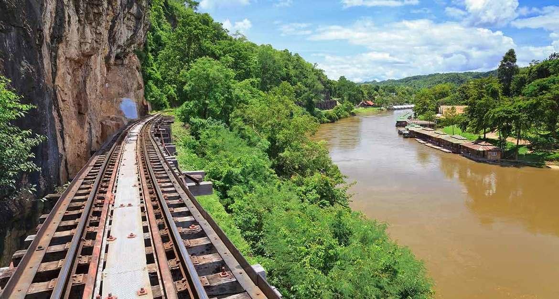 Неделя Моста через реку Квай в Канчанабури 7cf87e88c5b7b4f2382a02fcb42f8a7c.jpg
