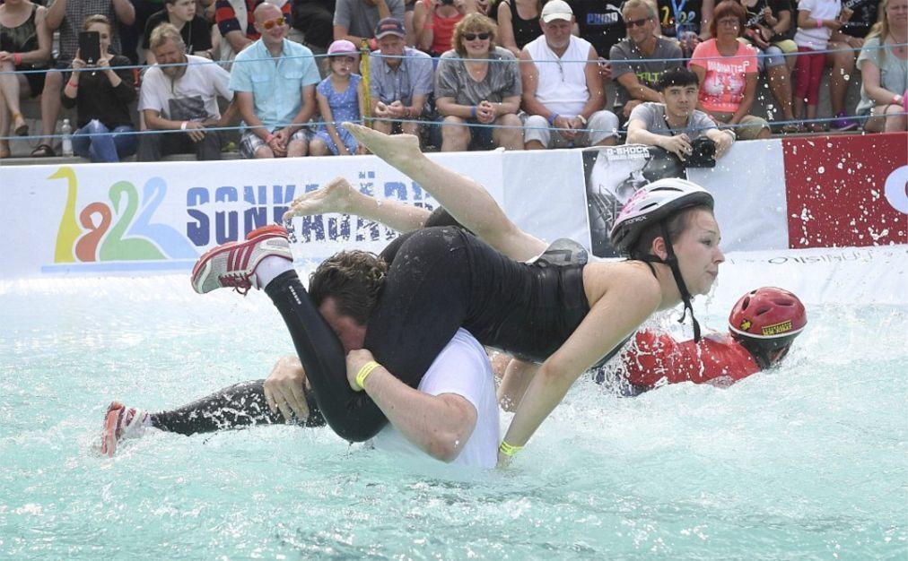 Чемпионат мира по перетаскиванию жен в Сонкаярви 7d1572a96dd7a5d6ef55d4e6e1840ffe.jpg