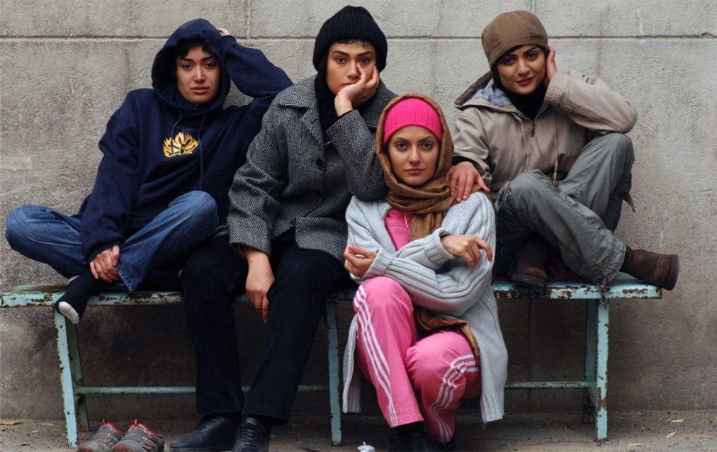 Международный фестиваль женского кино «Летающая метла» в Анкаре 7f952e119f699a34d401c250198ff737.jpg