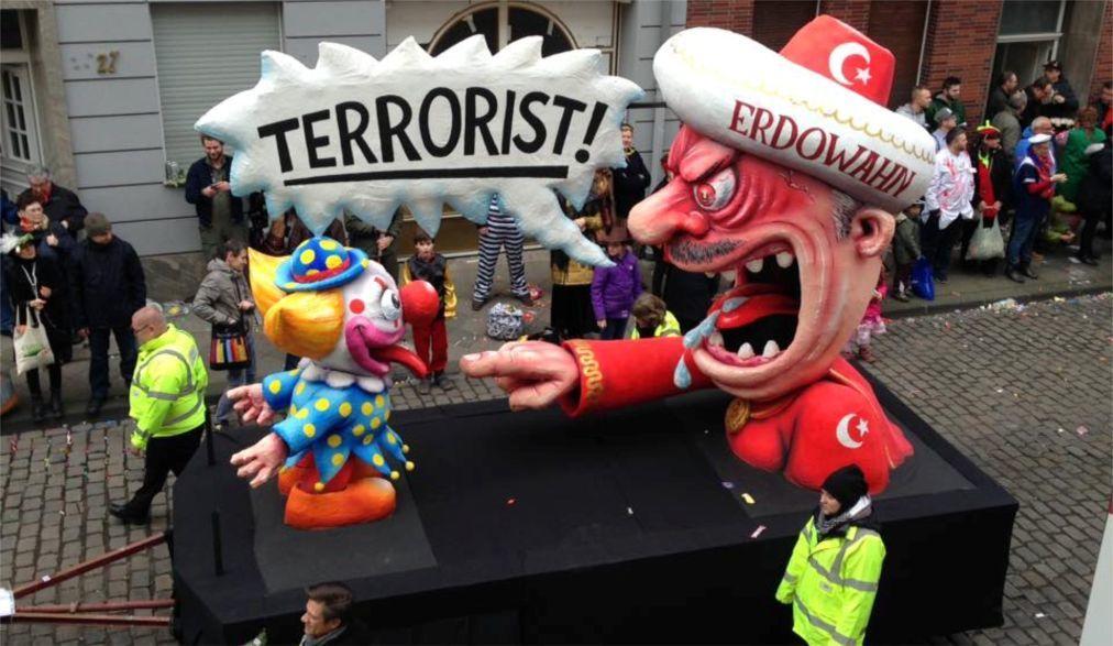 Дюссельдорфский карнавал 7fd12462b3007c38599b2c27b4c38e05.jpg