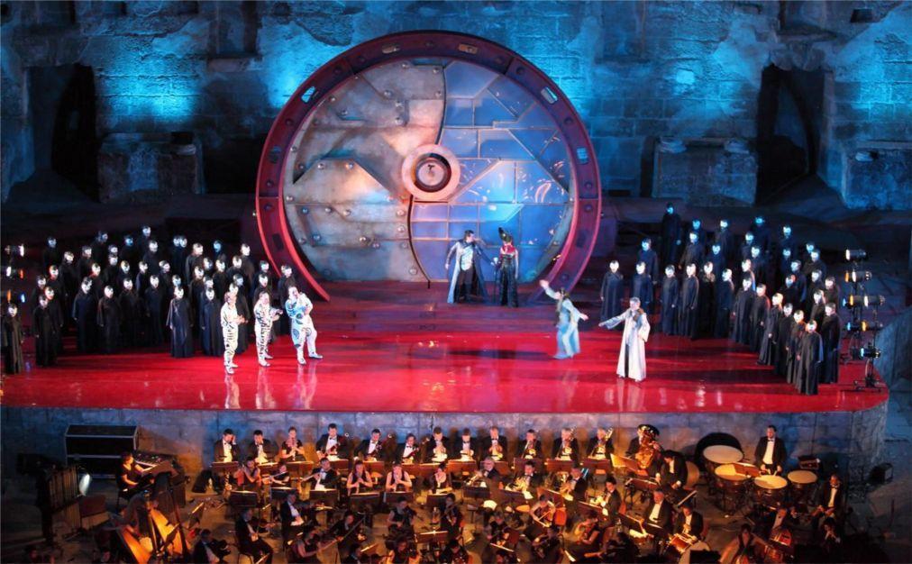 Международный фестиваль оперы и балета в Аспендосе 8540d9efaf71f88056964fa4b95ab272.jpg
