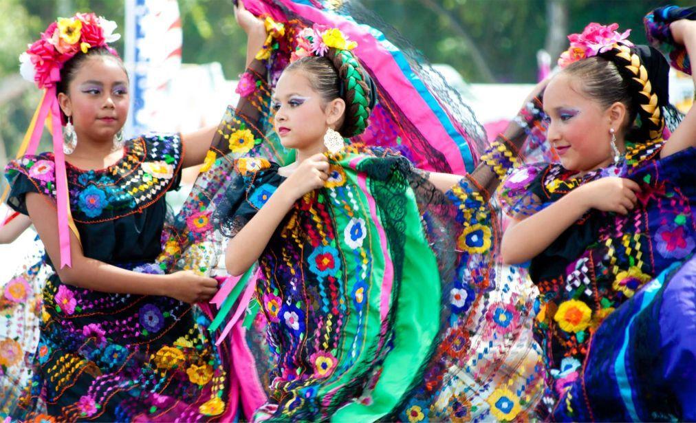 Фестиваль «Синко де Майо» в Мексике 854d72f879665d1a0002ccf6703d6bf8.jpg