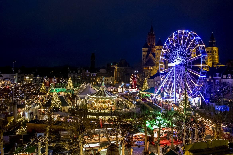 Рождественская ярмарка в Маастрихте 86cec0f1afa0f8527e99528bf26954cc.jpg