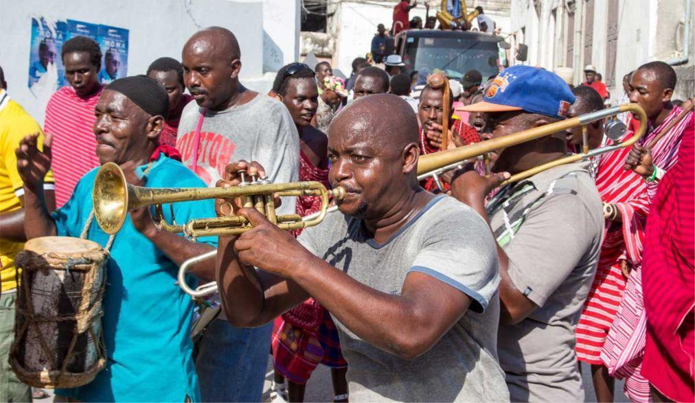 Музыкальный фестиваль Sauti za Busara в Стоун Тауне  875b9127e831636740b47a6bb2d68255.jpg
