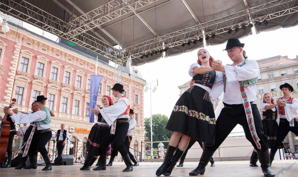 Международный фольклорный фестиваль в Загребе 877560a1ea2655f3d7c62b0b3faf11e2.jpg