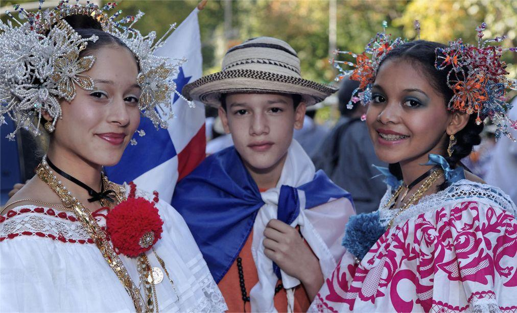 Латиноамериканский парад в Нью-Йорке 87eb2cb6a347969acbb9384dd9531b5a.jpg
