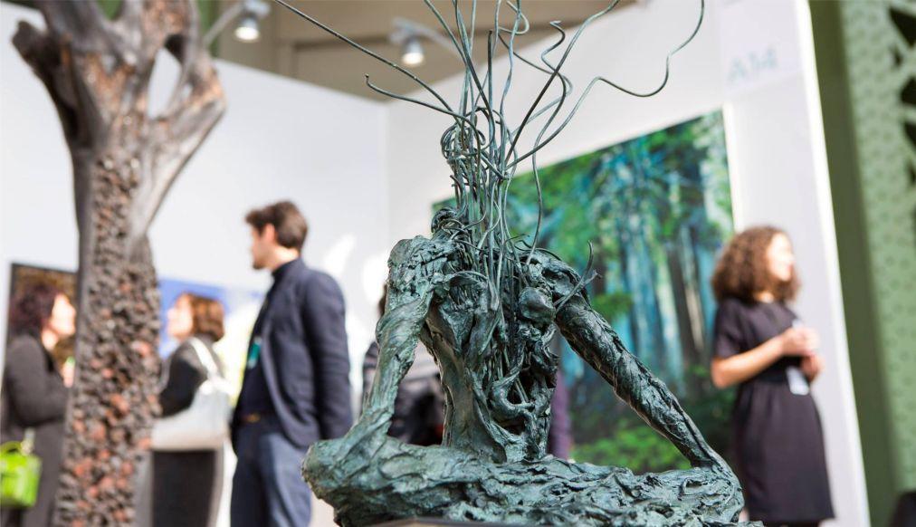 ВЫСТАВКА СОВРЕМЕННОГО ART PARIS ИСКУССТВА В ПАРИЖЕ 885d6a10f1b158f974afa91410f18e52.jpg