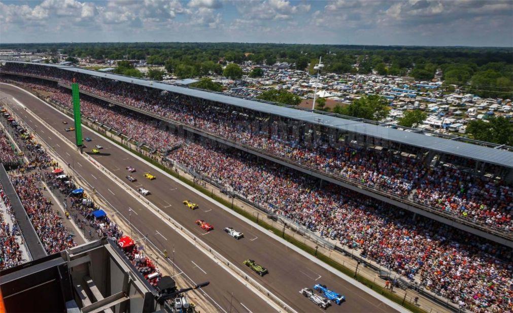Автомобильная гонка «Indianapolis 500» в Индианаполисе 88d8c3ed9c1c23bd3d7241f22ced1bd8.jpg