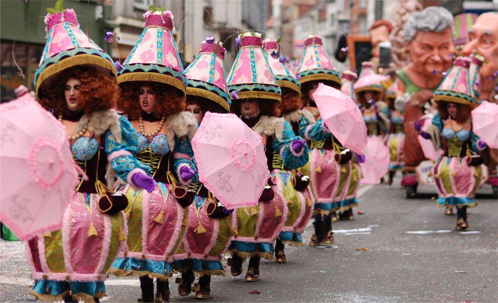 Карнавал в Алсте 8940f404d27be4e6f1012eabea41a42a.jpg
