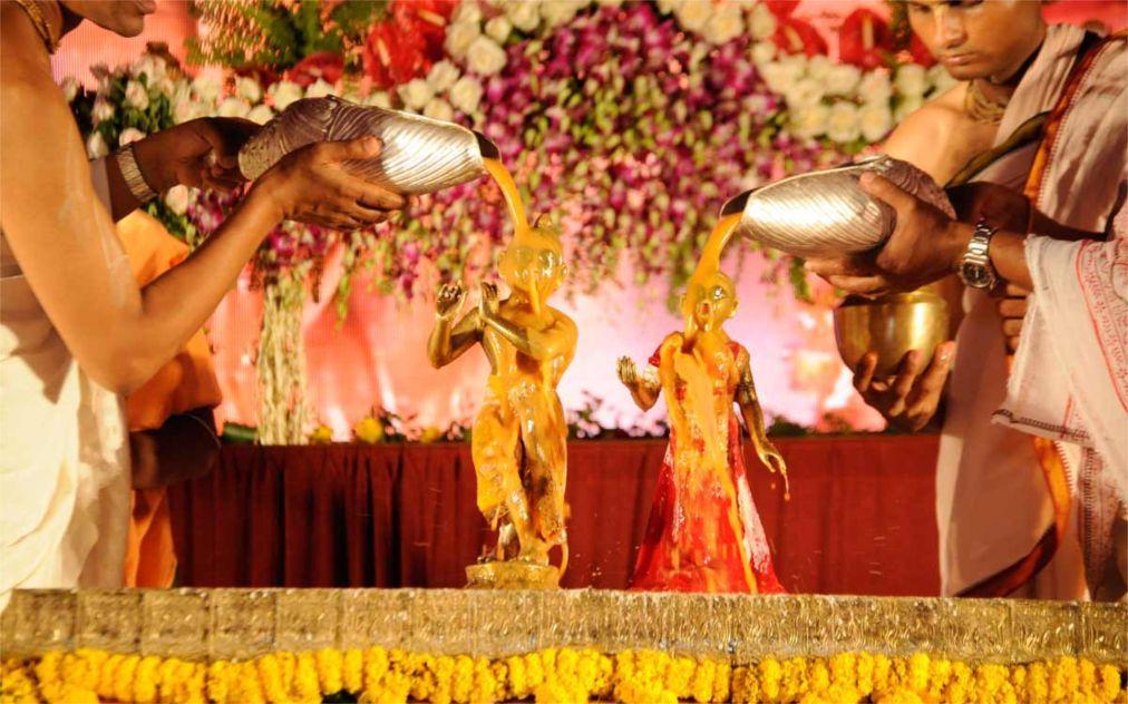 Праздник Кришна-Джанмаштами в Индии 8c8b4d957b026927a6143eac9e33625a.jpg