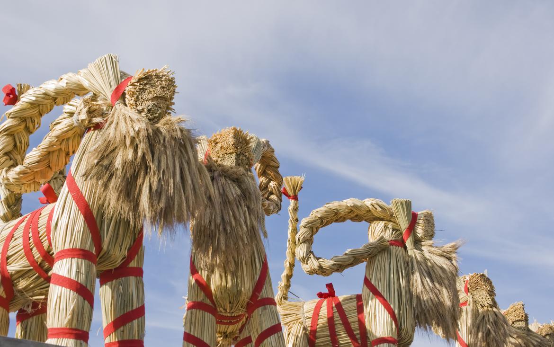 Ритуал сожжения «рождественского козла» в Евле 8fe2ce1529cfbe71a6a64a9e17309af0.jpg