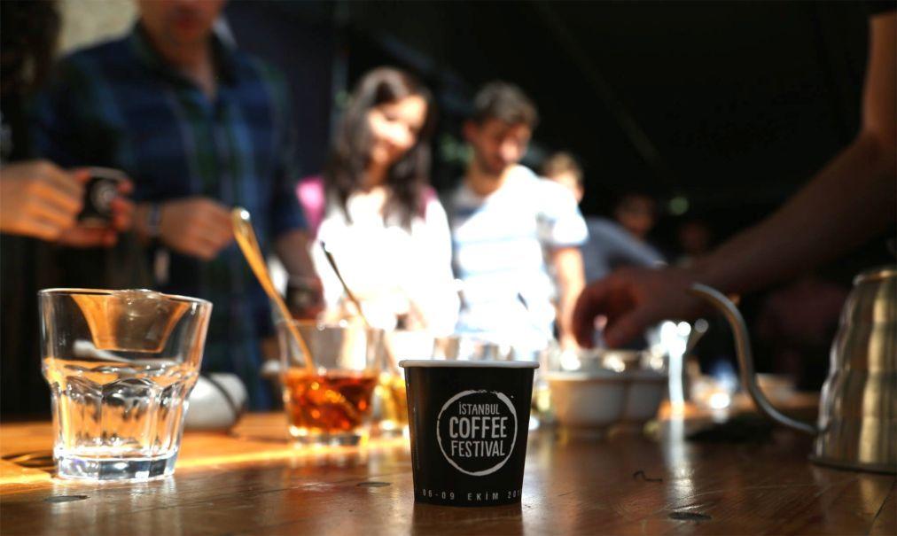 Стамбульский фестиваль кофе 90300de989cf225b2f598a79f1c60aa3.jpg
