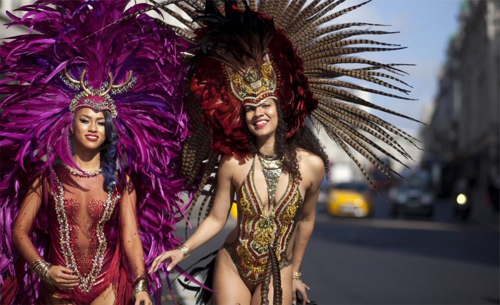 Карнавал на Тринидад и Тобаго 904528bf3d87fc2c583303303a369ac7.jpg