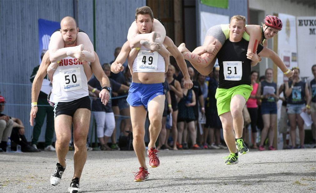 Чемпионат мира по перетаскиванию жен в Сонкаярви 91572afdc9a624d5370b9c75a63cf9ed.jpg