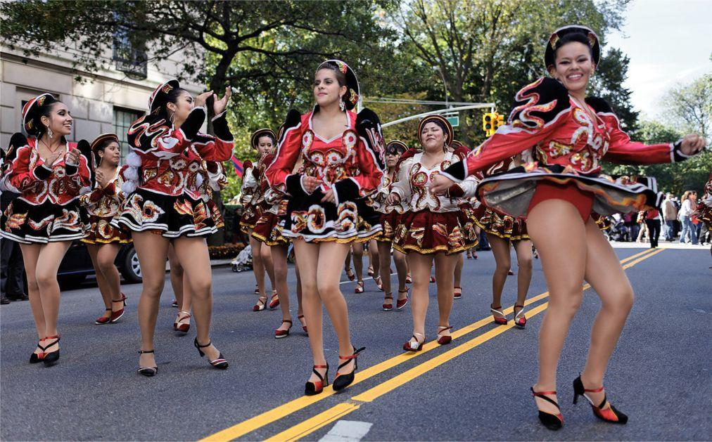 Латиноамериканский парад в Нью-Йорке 91ccc8bb1436a2613bfad82fd530fa11.jpg