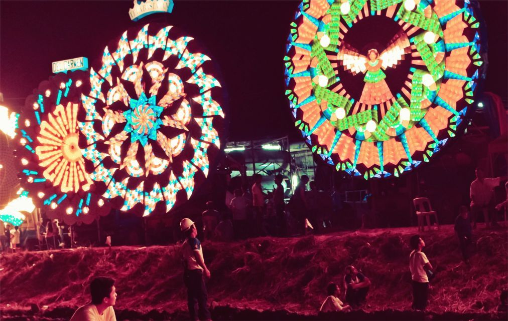 Фестиваль гигантских фонарей в Сан-Фернандо 921b65fd237a9fe5337130a29eead01c.jpg