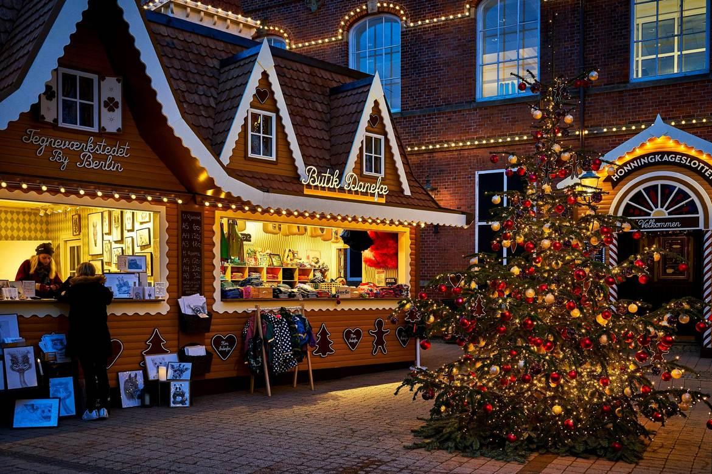 Рождественская ярмарка «Тиволи Гарденс» в Копенгагене 94db1534f1c1ff6a7fbdede60b293068.jpg