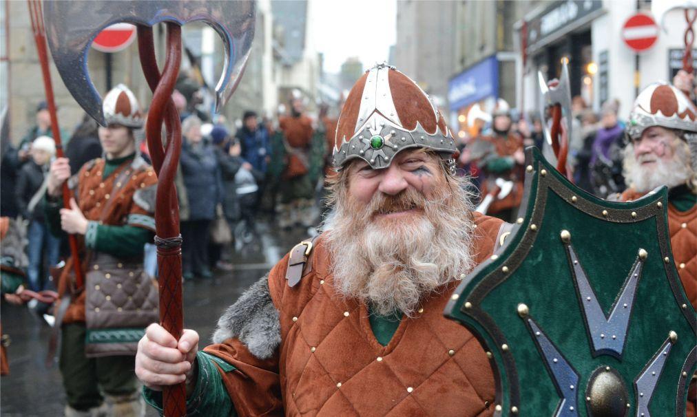 Фестиваль викингов «Up Helly Aa» в Леруике 9759c6524eaef5dd1731383d0d5a6645.jpg