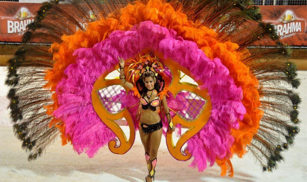 Карнавал в Энкарнасьоне 999147ce4216d1313963c5656a34daab.jpg