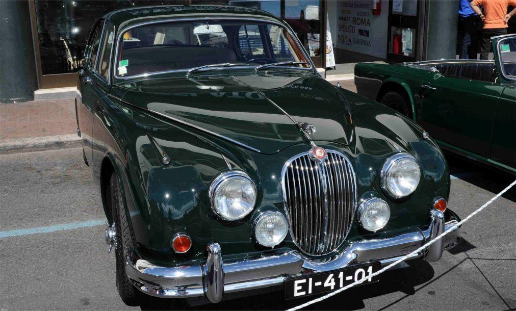 Выставка исторических автомобилей в Фунчале 9a62020654c09ba4423950f8e48e2330.jpg