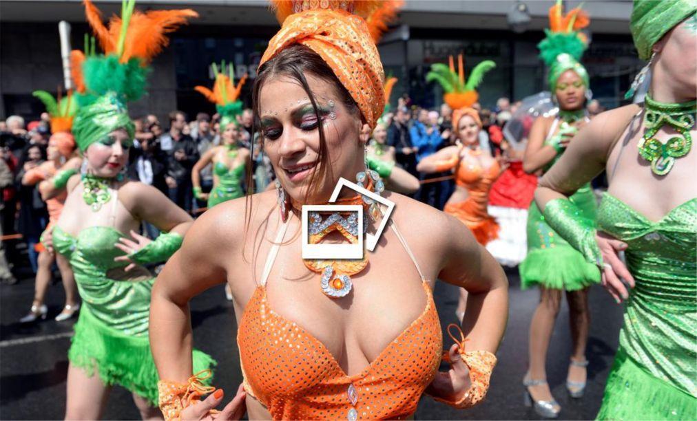 Берлинский карнавал культур 9b55b5e0d11fad14eb927e04dd064510.jpg