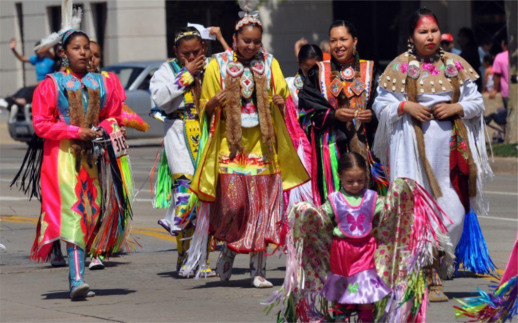 Фестиваль индейской культуры Red Earth в Оклахома-сити 9c77be60c876644ac63c00dcf107cb2a.jpg