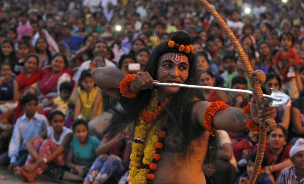 Фестиваль Дасара в Индии 9cc835dc45f7c72fec6fd571f6c7ab8f.jpg