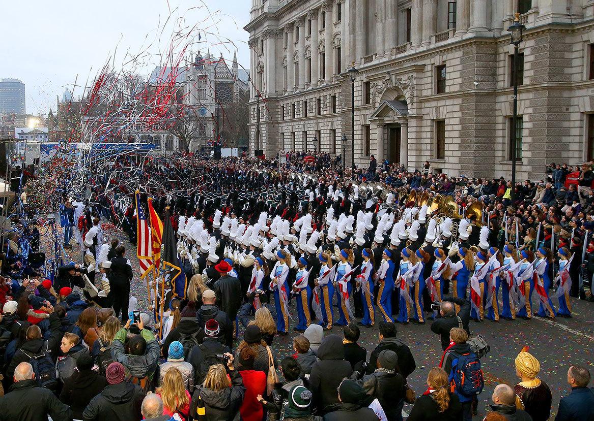 Новогодний парад в Лондоне a0c13709cba03b39e19246624cbf4bf8.jpg
