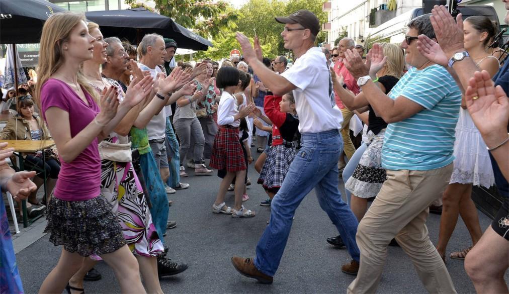 Фестиваль кельтской музыки и культуры в Лорьяне a0f9b906cb60b4006007fe215397d084.jpg