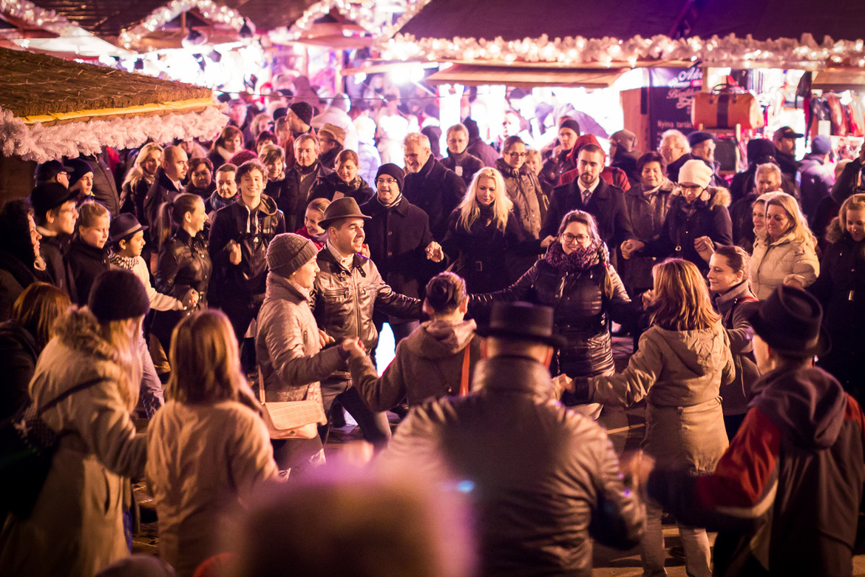 Рождественская ярмарка в Будапеште a110ba0800edb1a3faaf14a98bd0a275.jpg