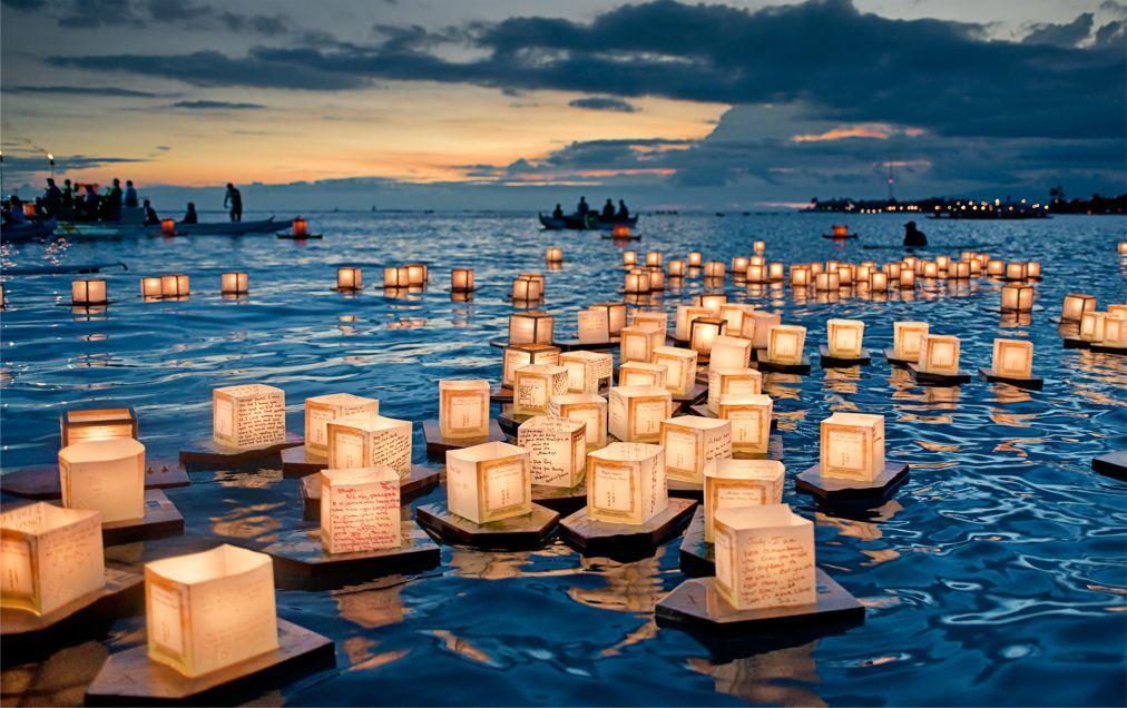Фестиваль плавающих фонарей на Гавайях a43aabd50ac4f6b8811b1c4dcb41314d.jpg