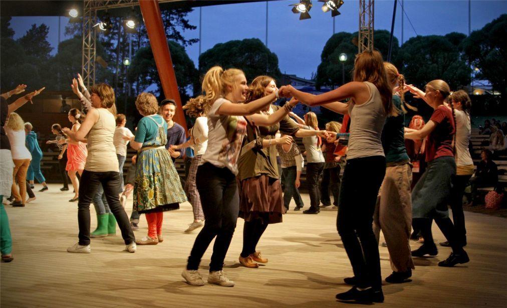 Международный фестиваль фолк-музыки в Каустинене a474c4229f7d7730ac8368118b2aebc2.jpg