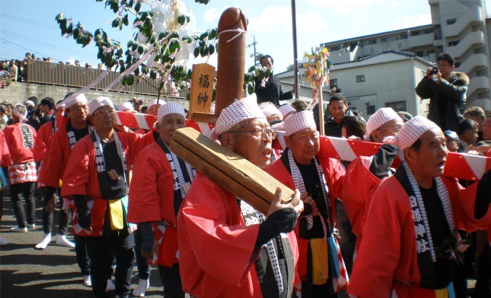 Праздник плодородия Хонэн Мацури в Комаки a638443c507258d5b0bb73b07b754494.jpg