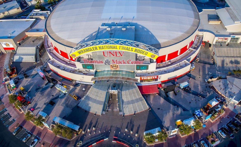 Финал чемпионата США по родео в Лас-Вегасе a7dd9e14888e377c93e068da9d315319.jpg