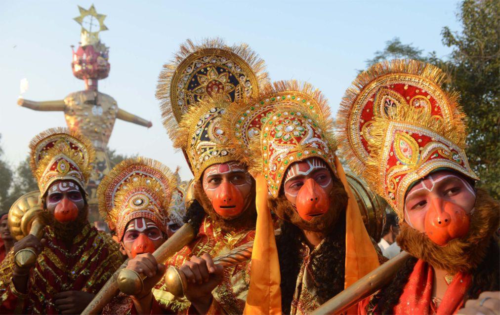 Фестиваль Дасара в Индии a8ff6082435ac73601e684b95b21dc8b.jpg