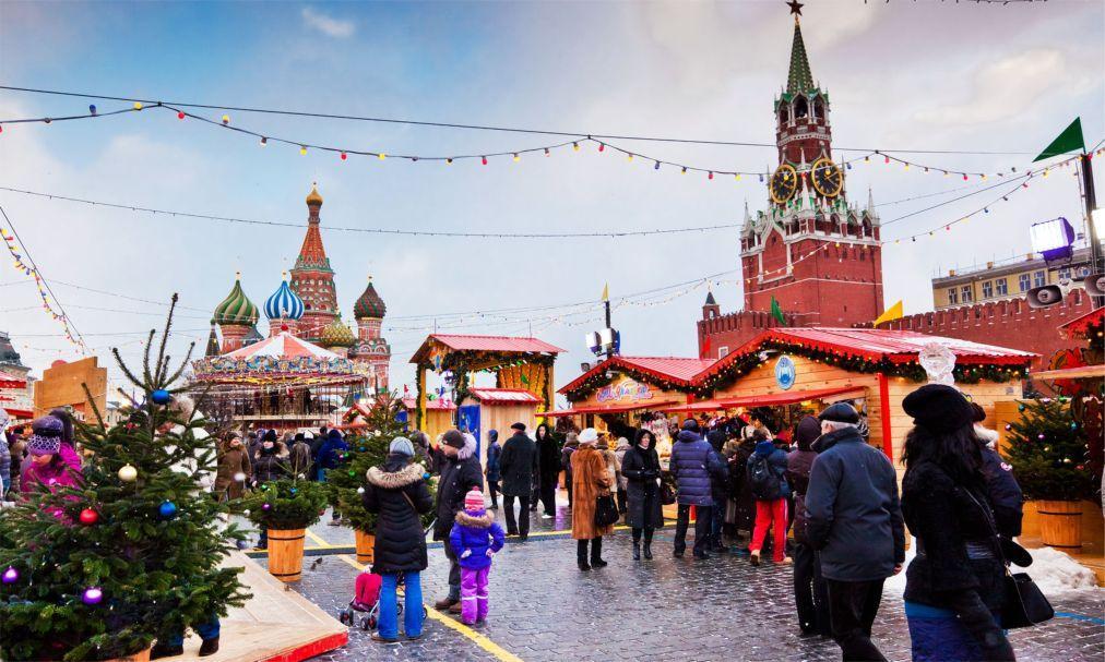 Рождественская ярмарка на Красной площади в Москве a9184f164d3c839eccb1685c1abb76b1.jpg