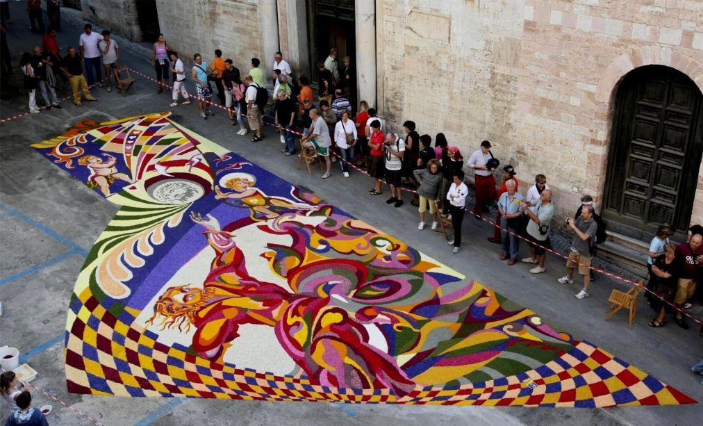 Фестиваль цветов Инфиората в Италии a95c9160cbe4ade5927ffca051426995.jpg