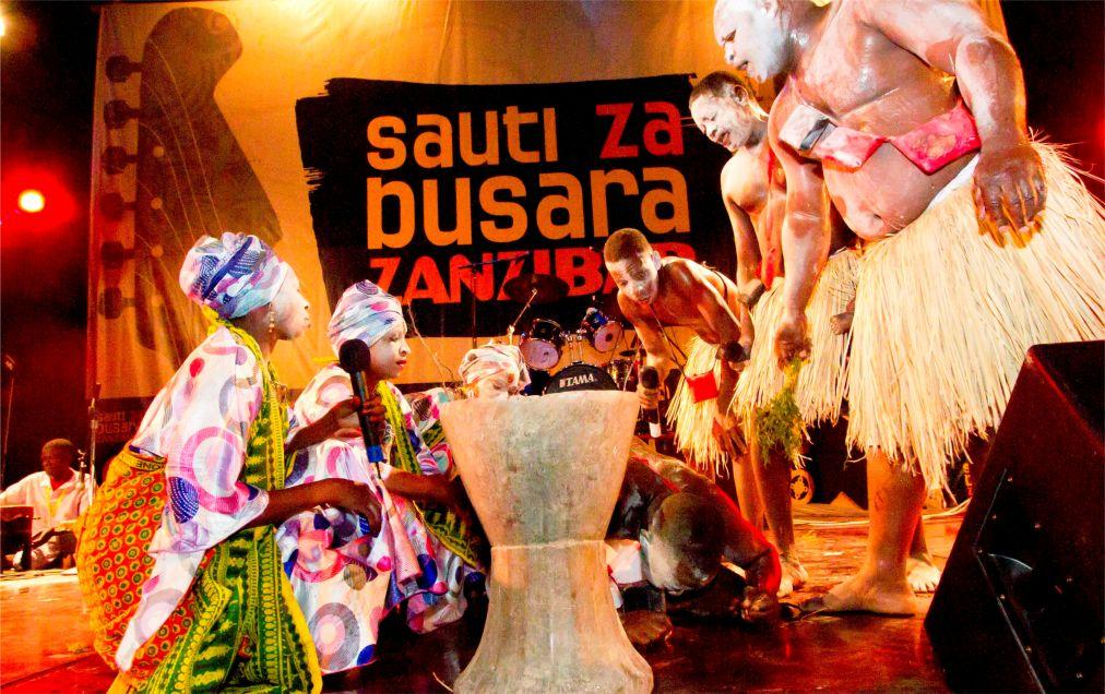 Музыкальный фестиваль Sauti za Busara в Стоун Тауне  a9e982b437f2c66d676d56f32739e082.jpg