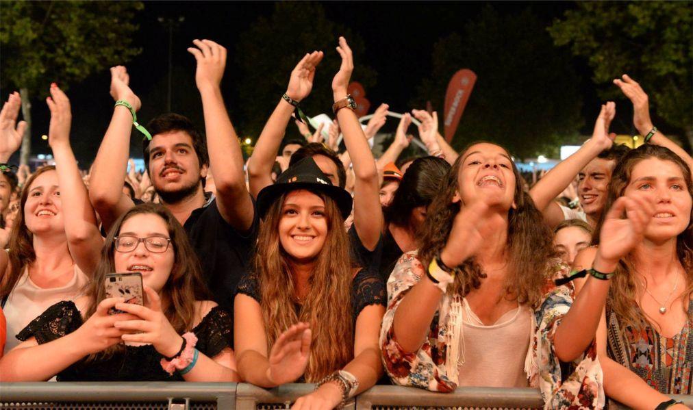 Музыкальный фестиваль в Крату aa0f181540b45b64a42f993152b5365d.jpg