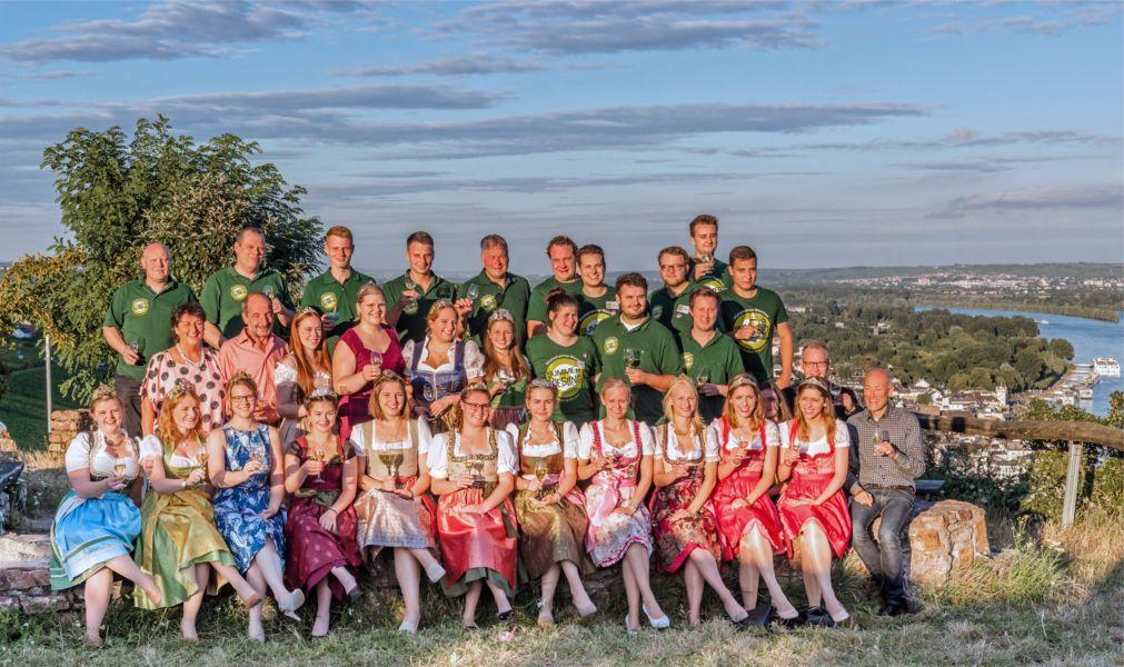 Фестиваль вина в Рюдесхайм-на-Рейне ab7c192867e16e2c5c9b5f1032f28fef.jpg
