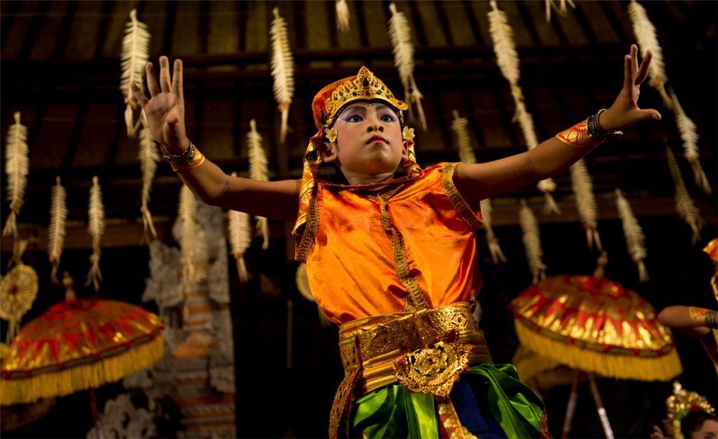 Праздник Кунинган на Бали ac4931747d171ccdb0bf30b3d23697e7.jpg