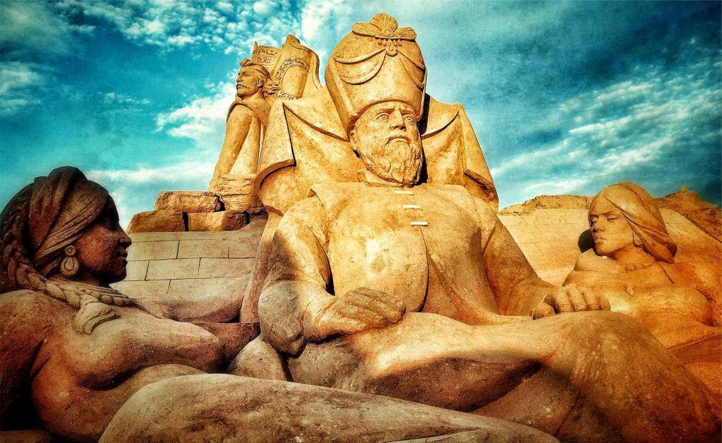 Международный фестиваль песчаных скульптур в Анталье ac5f00d93d44a3d594af48759a06bbaf.jpg