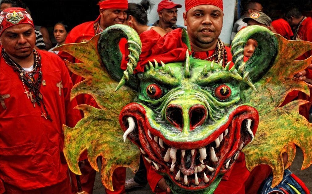 Праздник танцующих дьяволов в Сан-Франсиско-де-Яре adf670bb735245cd0ff76e971b40be93.jpg