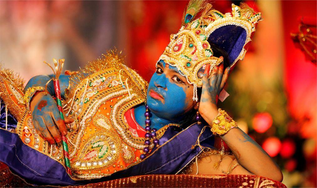Праздник Кришна-Джанмаштами в Индии ae1f599d4401a36b265b11439700143a.jpg