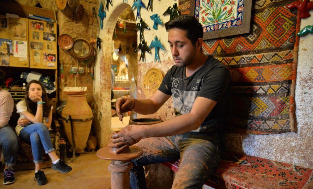 Фестиваль глиняной посуды в Аваносе aed7f6d24c77e5d9f910045712aacd62.jpg