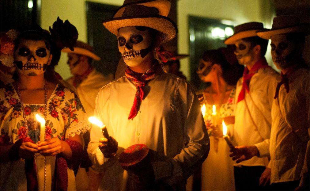 День Мёртвых в Мексике af23a5fdc024a277f75cf4a5a7c8493e.jpg