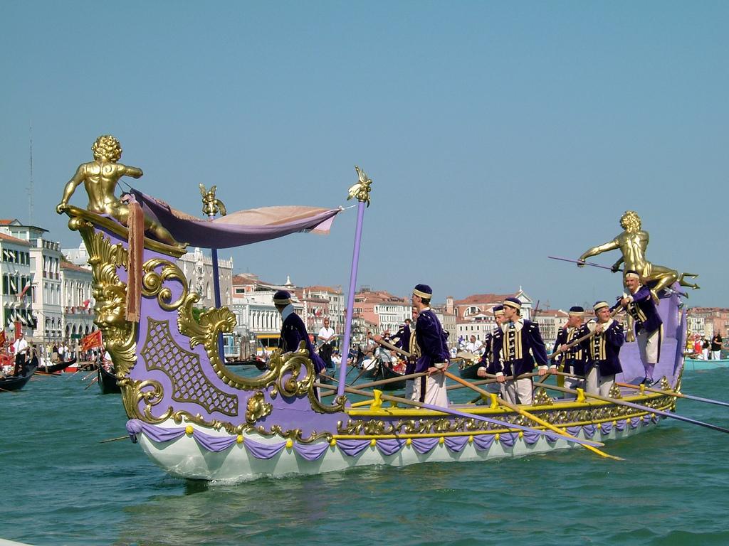Историческая регата в Венеции af6b26efb878c326827b12d40edb5d70.jpg