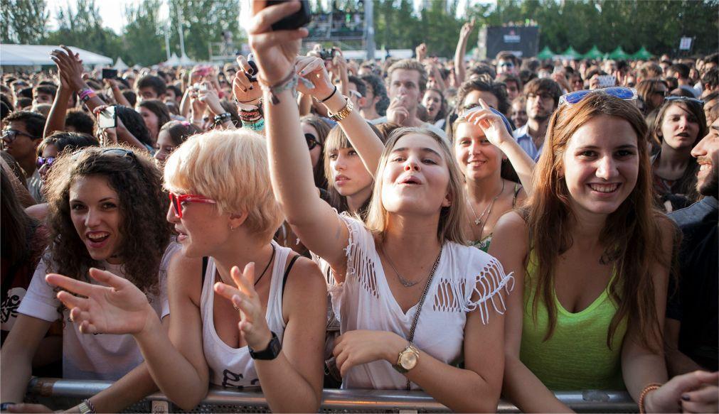 Музыкальный фестиваль DCODE в Мадриде b0b6fc57b13410f756c061a21d927219.jpg
