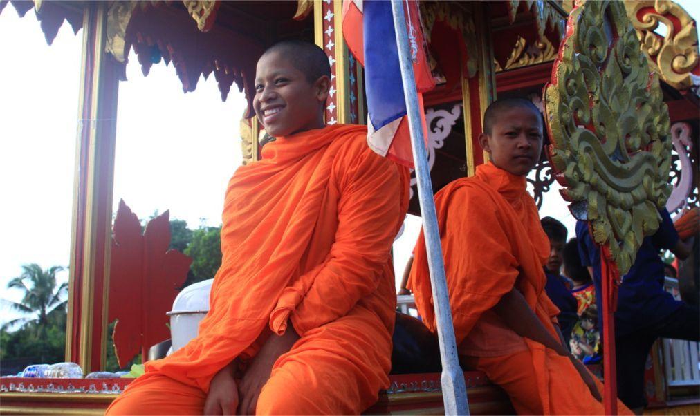 Фестиваль Чак Пхра в Сураттани b192b05fecdba8d233f591cbb71dd881.jpg