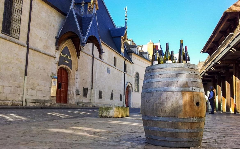 Праздник молодого вина Божоле-нуво во Франции b4797bfaca58c793f62d50a6f8a3f747.jpg